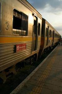 esqueci de tirar foto do trem, mas era meio parecido com esse