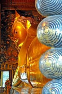 Buddha reclinado