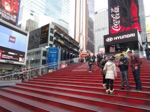 Escadaria vermelha da Times Square. A TKTS fica do outro lado.