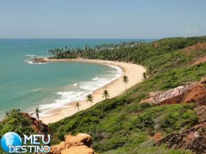 Praia de Coqueirinhos.