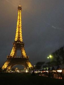 Mercado de Natal da Torre Eiffel