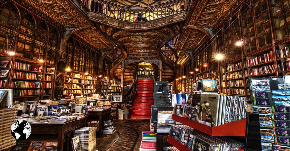 Livraria Lello e Irmão, Porto, Portugal.