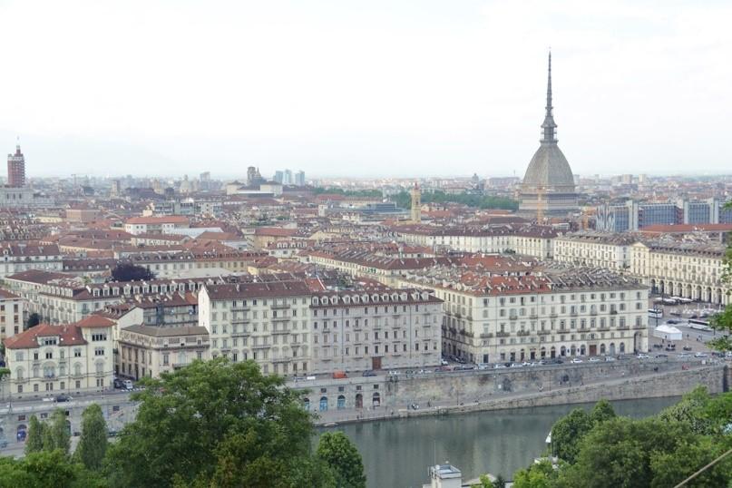 Paula viajou sozinha para Turim, Itália e adorou a experiência!