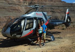 Passeio de helicóptero no Grand Canyon.