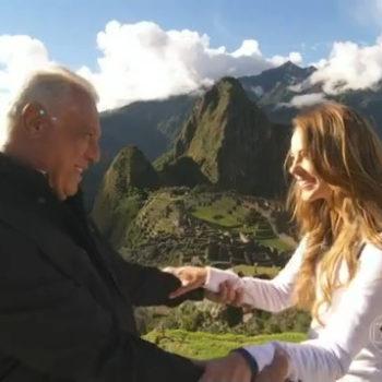 Abertura da novela bem na entrada de Machu Picchu