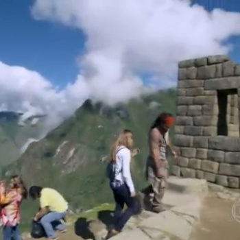 E mais: casal de protagonistas se conhece nas ruínas da Cidade Sagrada dos Incas!