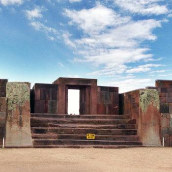 Tiwanacu: porta principal do templo