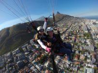 Voando de parapente na África do Sul