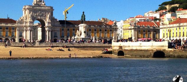 Passeio no Rio Tejo, em Lisboa.